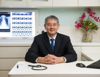 Dr Steve Yang Tze Yi is a Consultant Respiratory Physician and Intensivist with The Respiratory Practice and currently the President of the Society of Intensive Care Medicine as well as the Vice President of the Singapore Thoracic Society.